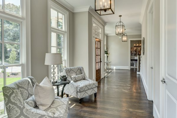 NoVacancyHomeStaging_StagedFrontEntryPic28