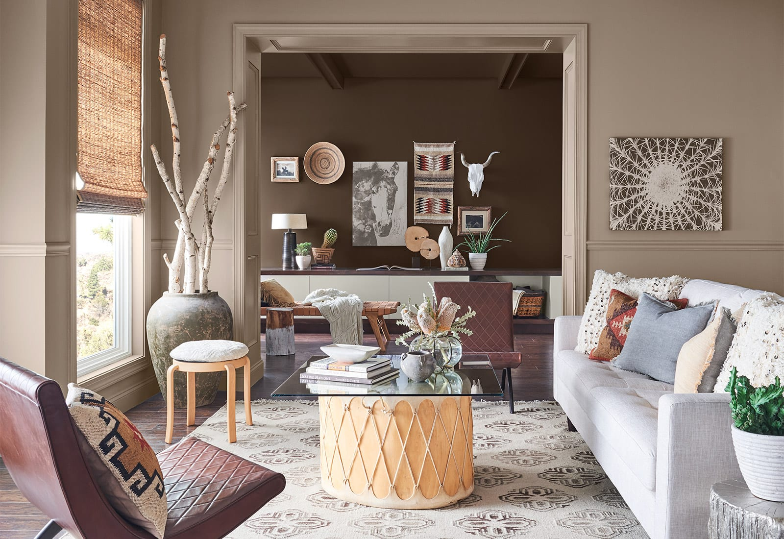 Sitting room with beige walls and southwestern decor.