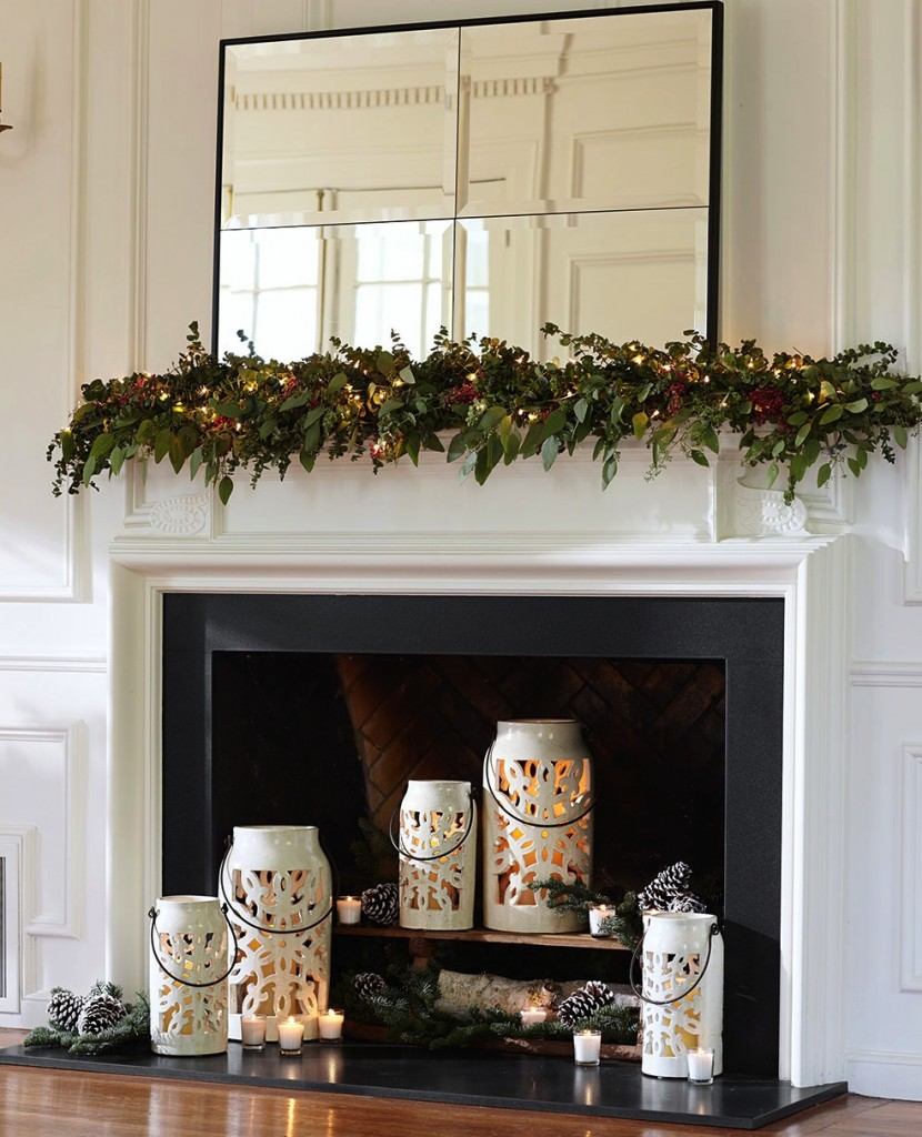 Home staged with holiday decorations