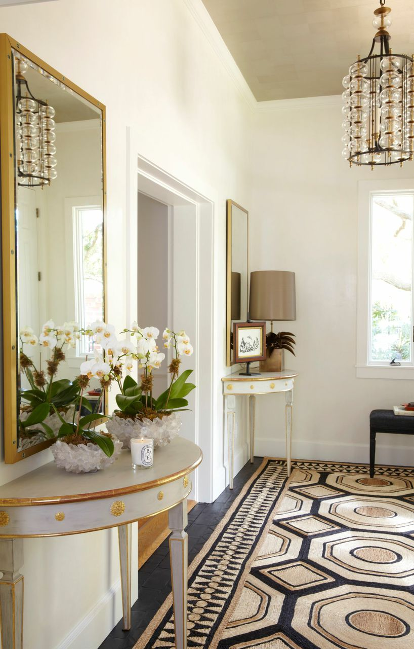 Entryway with crystals in home staging project
