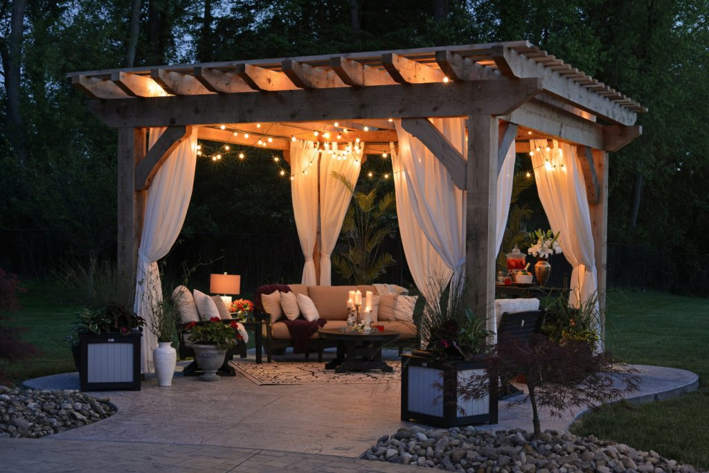 Staging Backyard for Home Sale